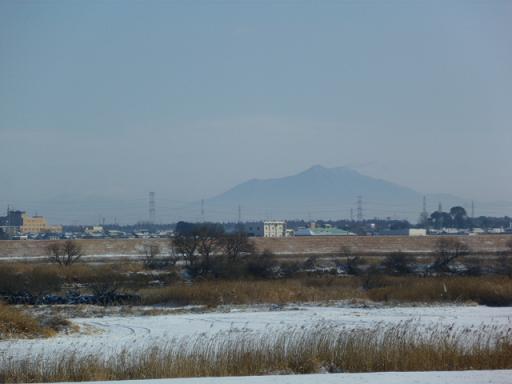 雪と筑波山.JPG
